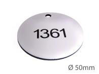 Nyckelbricka i plast, 50mm i diameter, enkelsidig gravyr